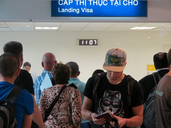 Vietnam landing visa at airport